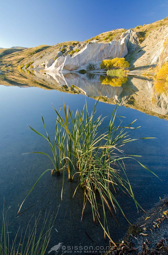 Free iPad Wallpaper Photo - Blue Lake Central Otago New Zealand