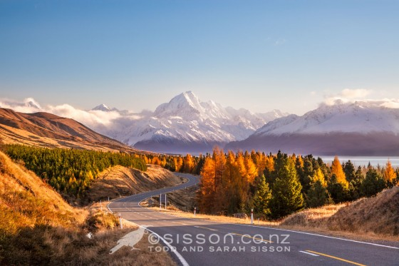 Aoraki / Mount Cook from Peter's Lookout in Autumn, Canterbury, South Island, New Zealand - stock photo, canvas, fine art print