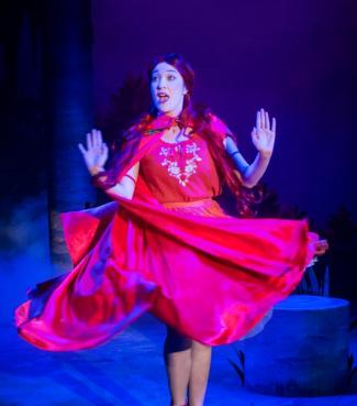 Red-Riding-Hood,-Circa-Theatre,-2014-2_show_embed_large